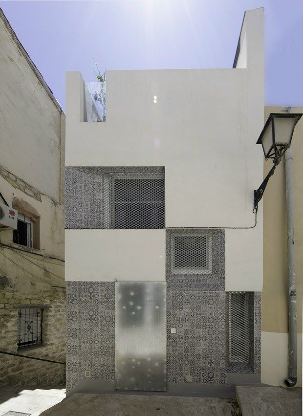 Hiszpańska inspiracja – płytki talavera w nowoczesnej architekturze