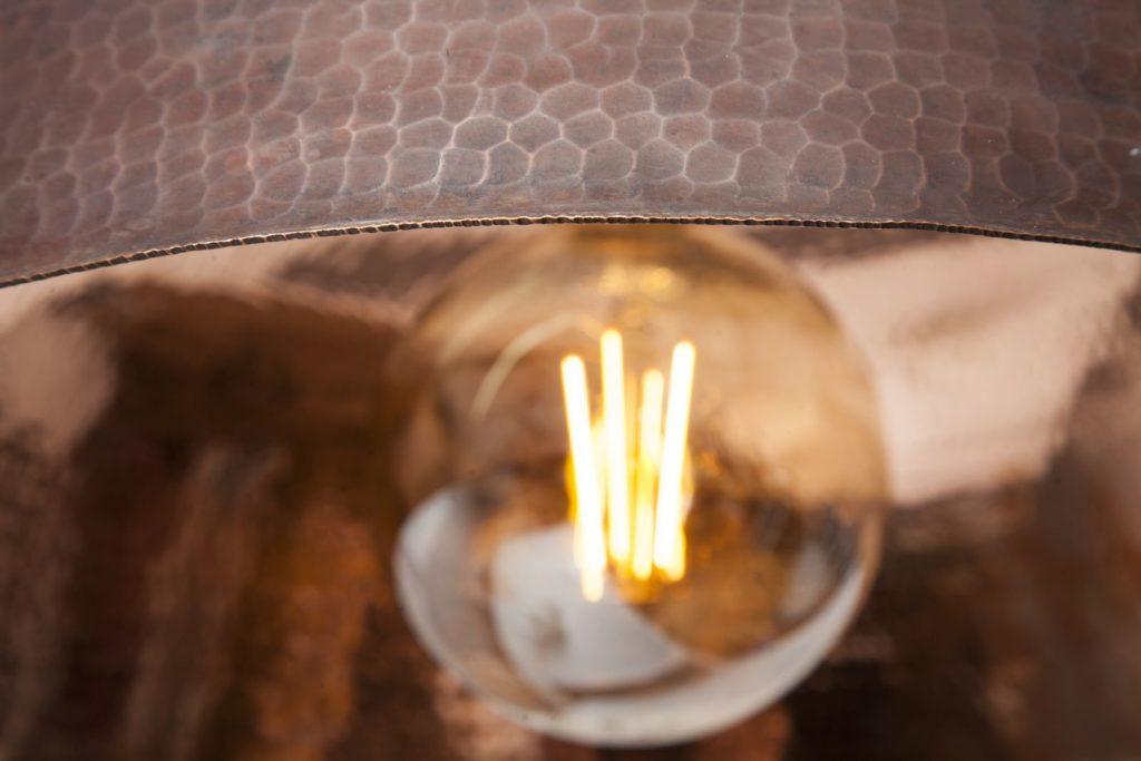 Miedziana Lampa - sufitowa lampa wisząca z ręcznie kutej miedzi 11