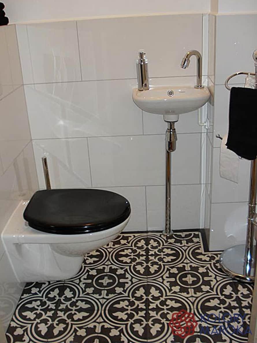 P u0142ytki cementowe w ma u0142ej toalecie  u2013 Kolory Meksyku Blog