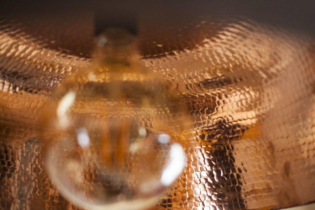 Miedziana Lampa - sufitowa lampa wisząca z ręcznie kutej miedzi 03